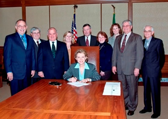 Governor Gregoire signs Mobility Legislation